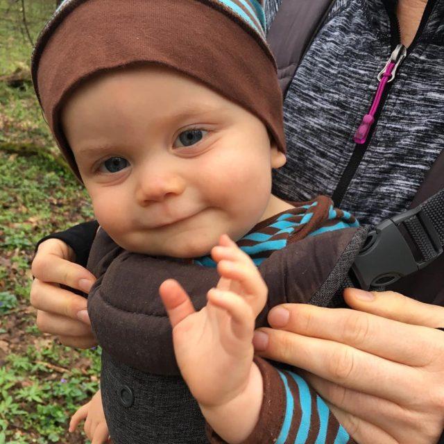 Hey Monday lovinglife realmom realmomlife momlife everydayabovedirt hikingbaby