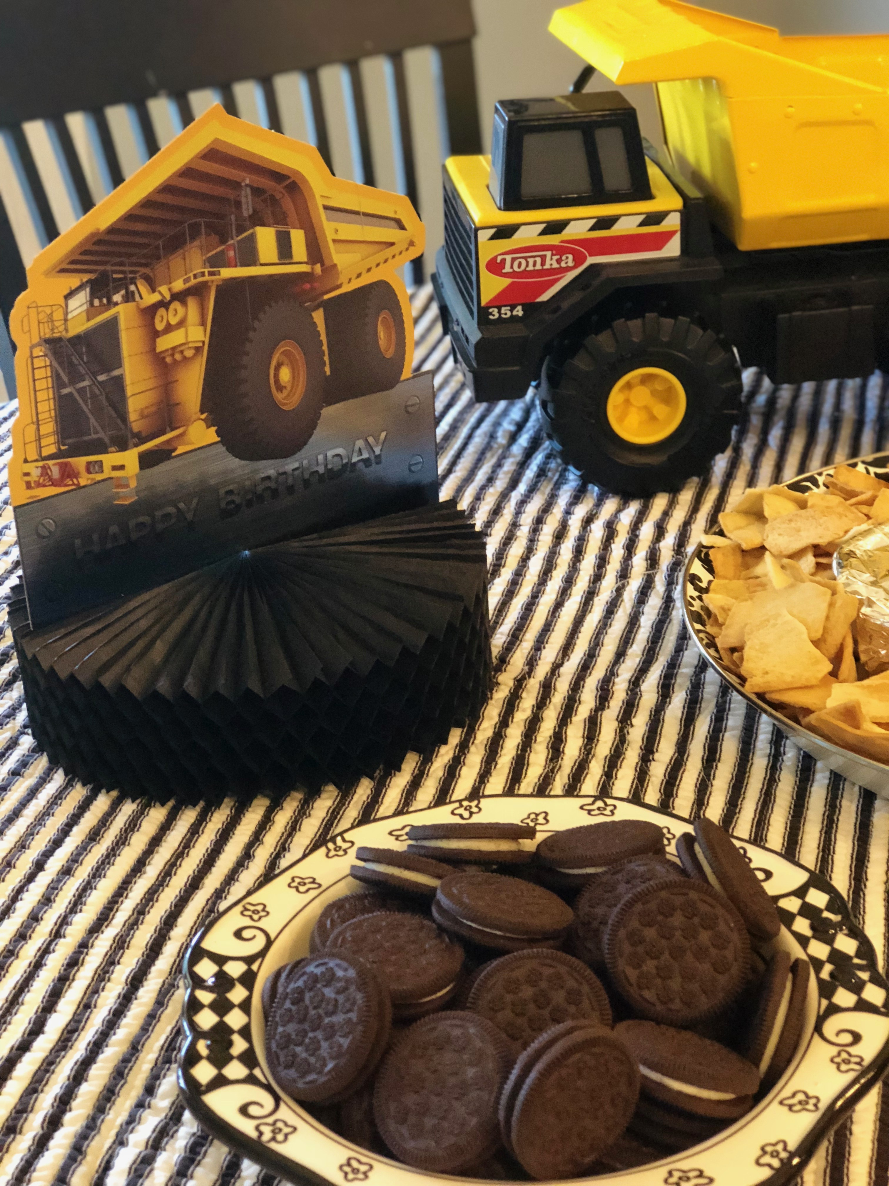 Table Decorations for Truck Party